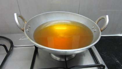 heat sufficient oil in a frying pan