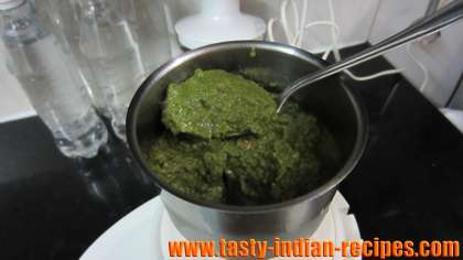 Grind the mint chutney into a smooth paste