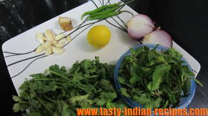 Ingredients for making mint chutney