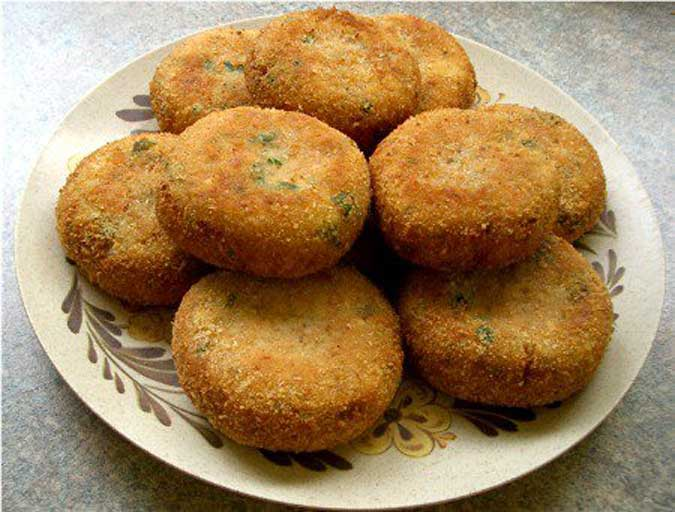 How to make vegetable cutlet vegetable cutlet recipe vegetable cutlets are simply made with the delicious blend of vegetables and indian spices it is a great snack dish or an appetizer to serve in front of forumfinder Gallery