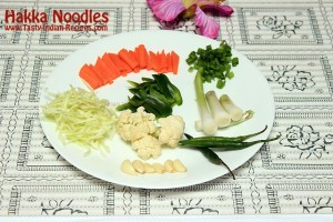 Hakka-Noodles-Recipe-Ingredients
