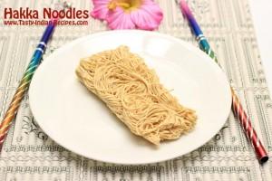 Hakka-Noodles-raw