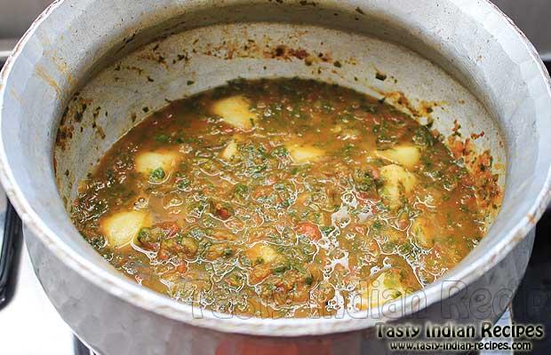 Aloo Methi Ki Sabzi Cooking in pan