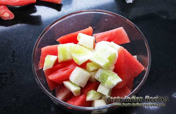 Chop the watermelon and cucumber in small pieces and mix in a bowl