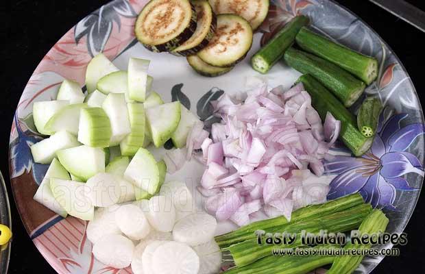 Keep the Vegetables ready for making Araichu Vitta Sambar