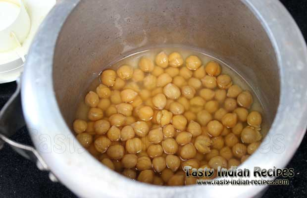 Chole Bhature Recipe Step2