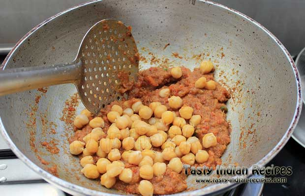 Chole Puri Recipe Step9