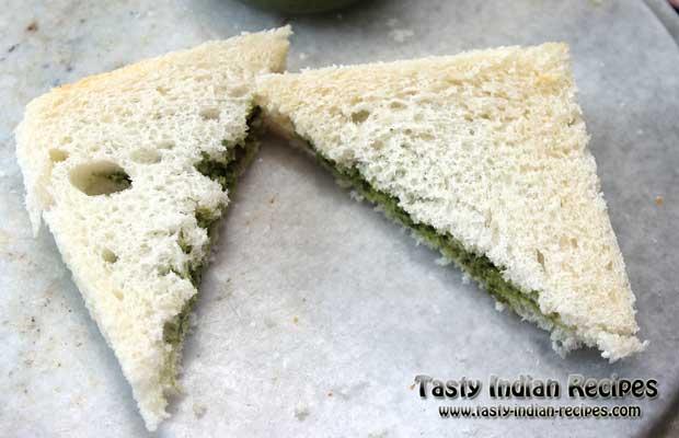 Green Chutney Pakora Recipe Step 4